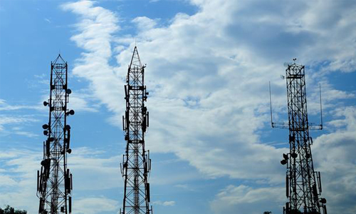 Spectrum auction bids stands at Rs 92,200 crore